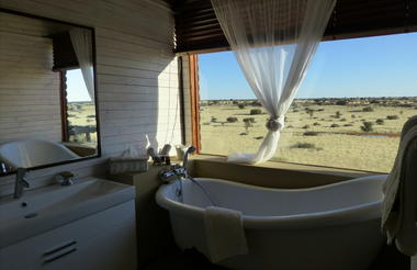 .Bagatelle Kalahari Game Ranch - Dune Chalet Bathroom with view